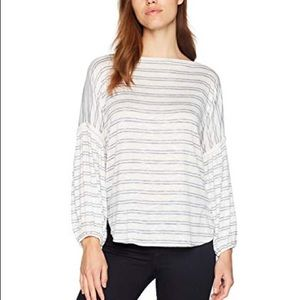 Max studio NWT ivory/black stripe top Sz Med